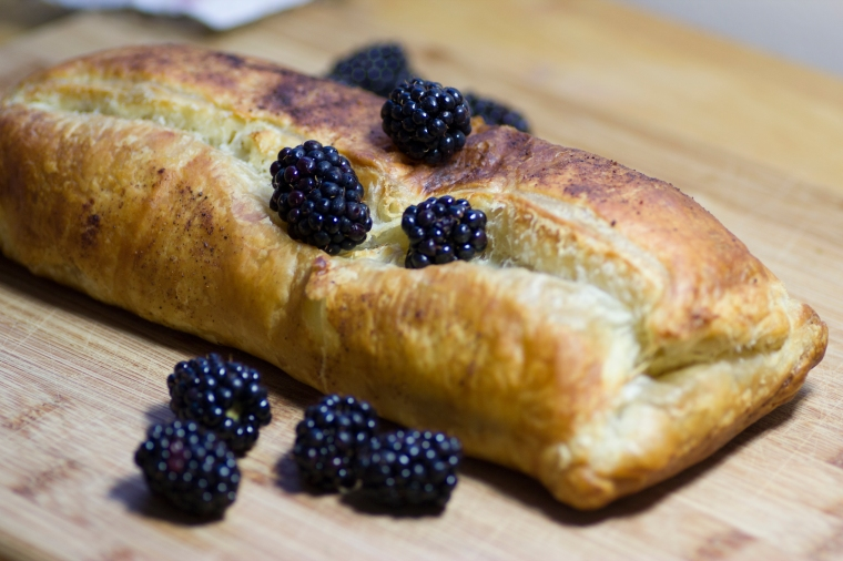 Sugar Free Blackberry Apple Strudel