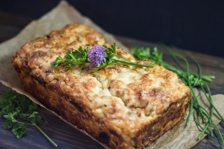 bacon, gruyere cheese, and caramelized onion quickbread (savory cake)