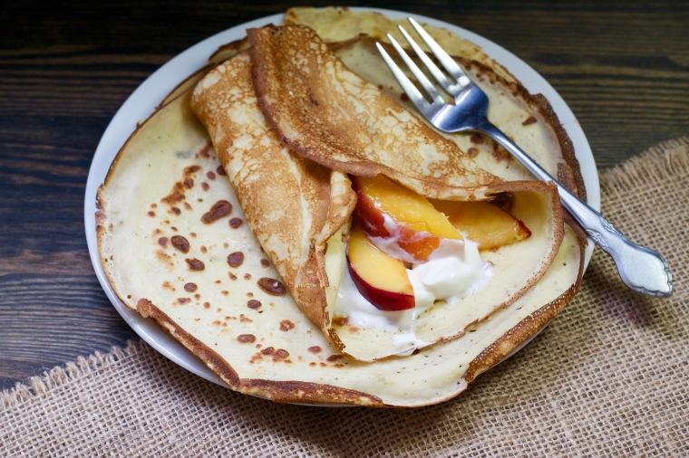Sugar-free nectarine crepes