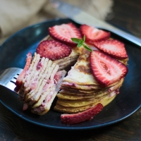 Sugar-free Strawberries & Cream Crepe Cake