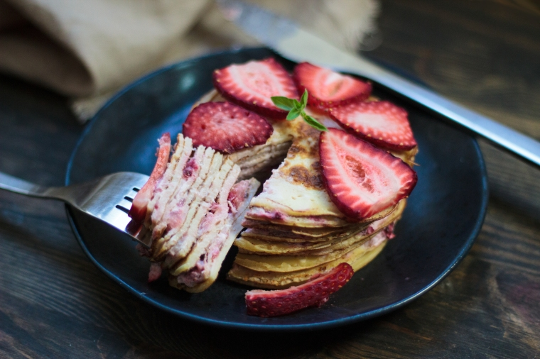 Delicious sugar-free strawberries & cream crepe cake recipe on handful of sunshine